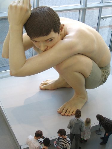 http://theblarg.files.wordpress.com/2009/07/mueck1.jpg?w=490